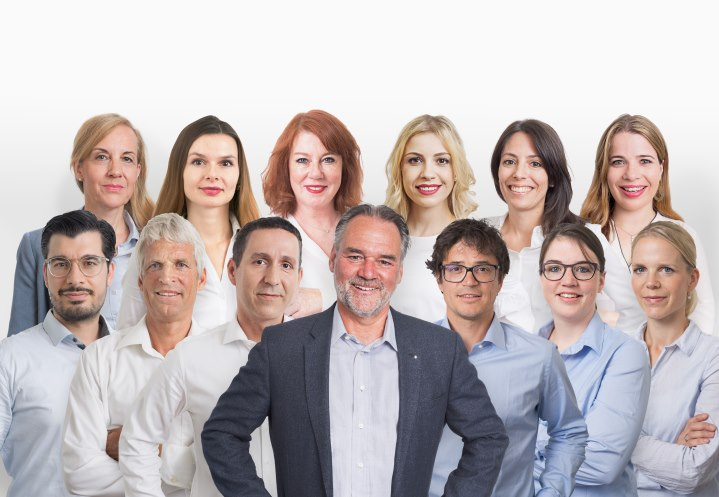 Gruppenbild_2018-01_Hochformat_bearbeitet-komprimiert